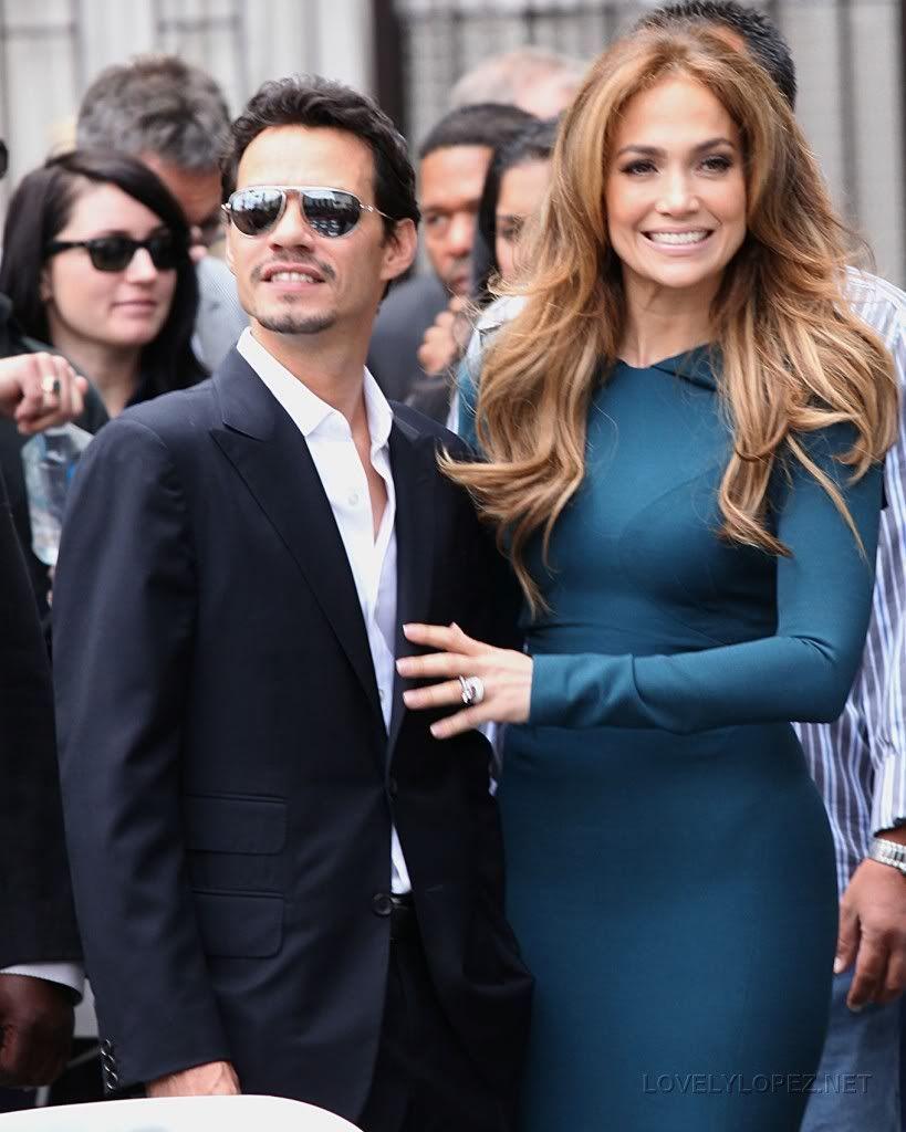 Fundador del programa 'American Idol' recibió su estrella en el Paseo de la Fama en Hollywood SFholl0002