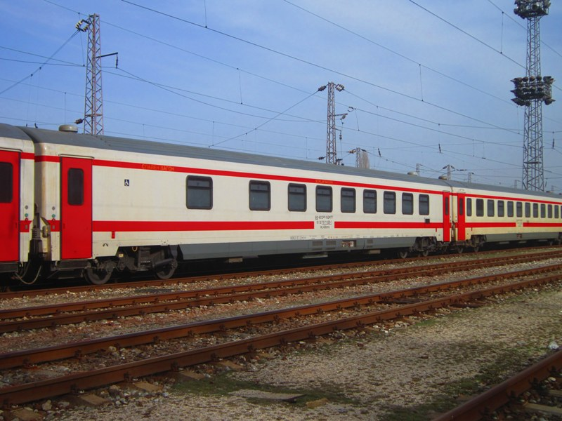 BDŽ-Bulgaria - Pagina 19 A_sleeping_car_of_class_71_WLABbmz_standing_on_central1_18_02_2014_zps10e1c93e