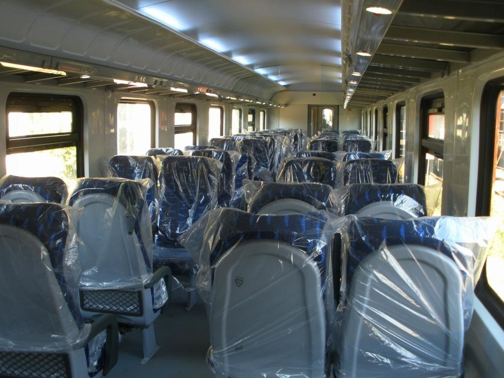 BDŽ-Bulgaria - Pagina 19 An_interior_of_second_class_passenger_car_16_09_2009_zpseb4d4913