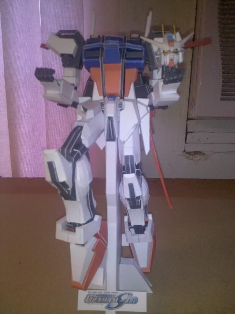 GAT-X105 Aile Strike Gundam IMG_20110418_120807