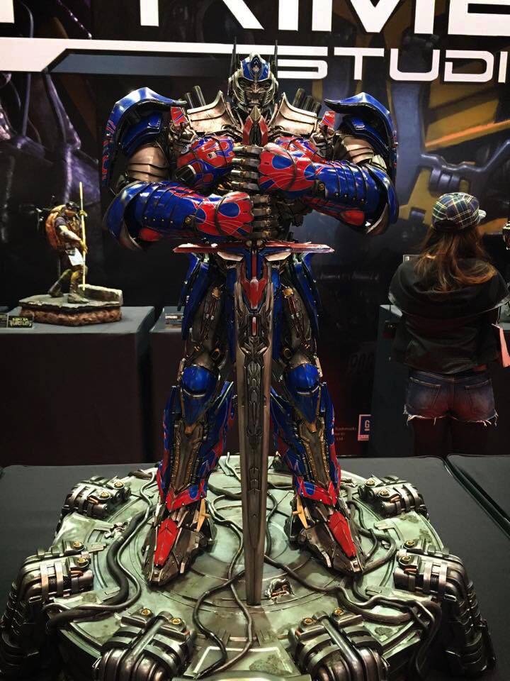 "Transformers : AoE - Optimus Prime ""Knight Edition"" Statue  2a590d9d3397e9feb3447c3bb9d535d0_zps106d9633"
