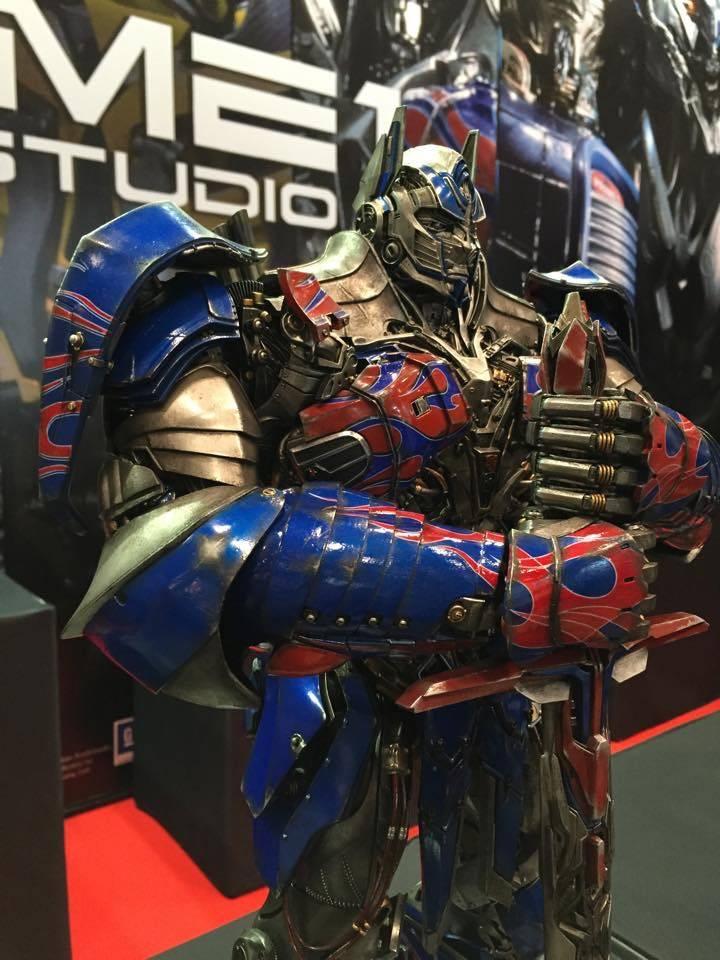 """Transformers : AoE - Optimus Prime """"Knight Edition"""" Statue  1E097E81-08A0-4AC6-ADA3-B6DC0BA46FEB_zps73pieyrv"""