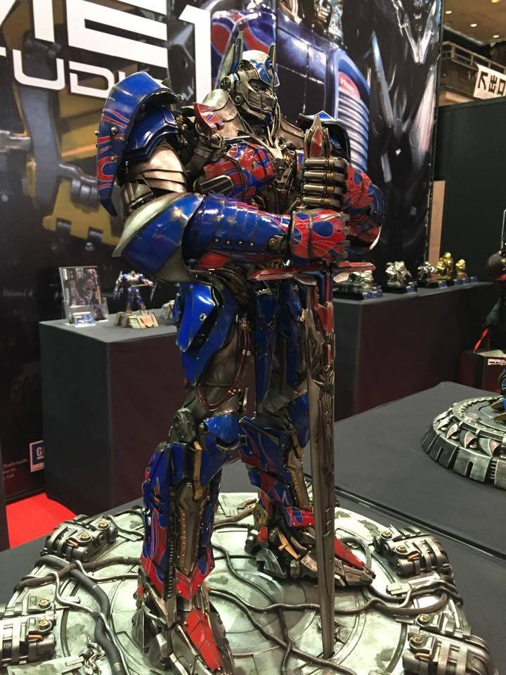 "Transformers : AoE - Optimus Prime ""Knight Edition"" Statue  48F836A8-A1EF-4B6D-BF79-683075292463_zpsrog7ztbv"