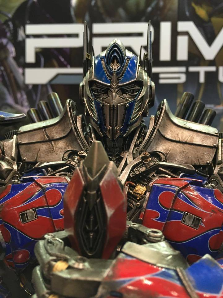 """Transformers : AoE - Optimus Prime """"Knight Edition"""" Statue  A37BB75A-77A2-420D-9D7F-11C840F929EE_zpsv00w6th7"""