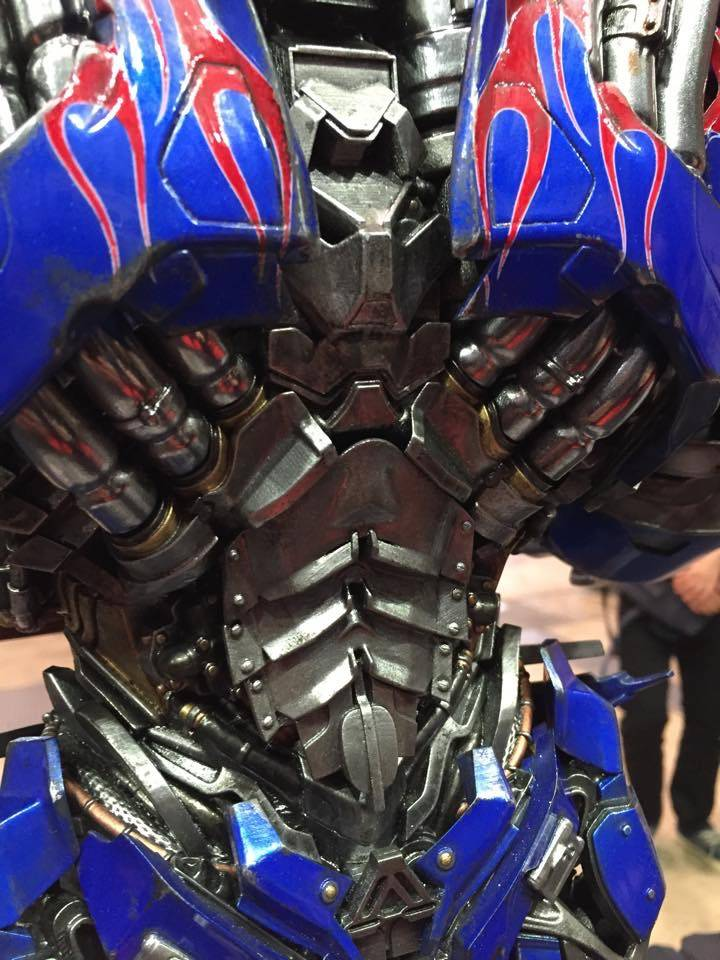"Transformers : AoE - Optimus Prime ""Knight Edition"" Statue  FD594339-64FD-46EE-8F7E-C707709F2426_zps6mhebyqw"