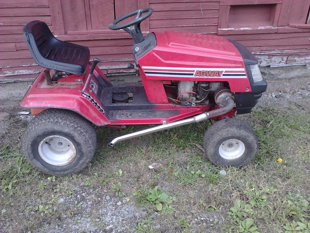 The Fast Mower That Was An Agway But I Got Something Else Build IMG10028