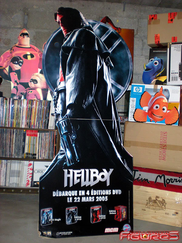 Vos PLV (Publicité sur Lieu de Vente) Toys, Films, Jeux, etc - Page 2 PLV-HELLBOY