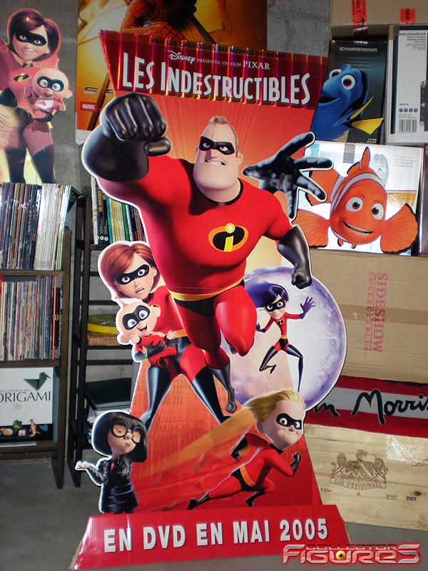 Vos PLV (Publicité sur Lieu de Vente) Toys, Films, Jeux, etc - Page 2 PLV-Les-Indestructibles