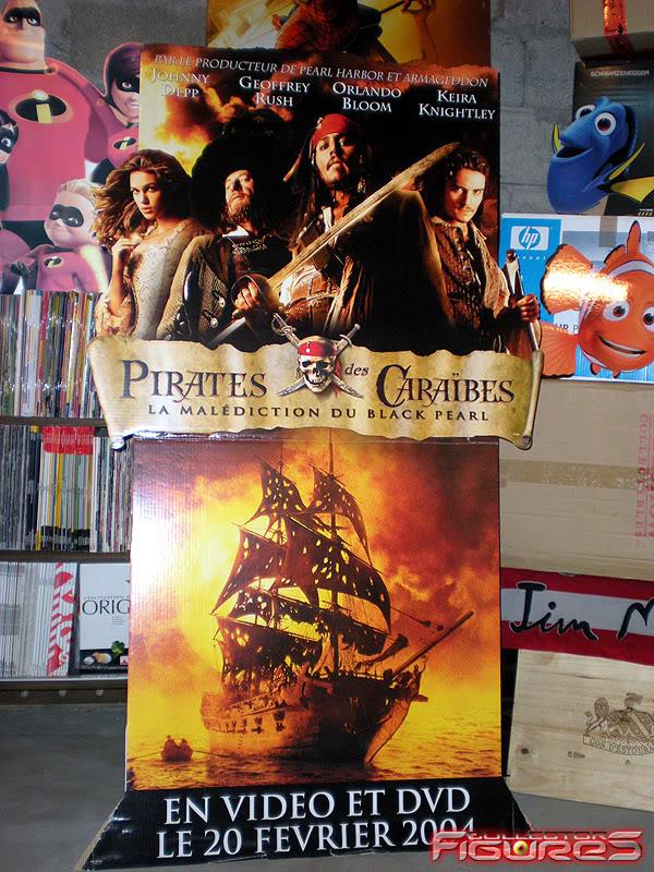 Vos PLV (Publicité sur Lieu de Vente) Toys, Films, Jeux, etc - Page 2 PLV-Pirates-des-Caraibes