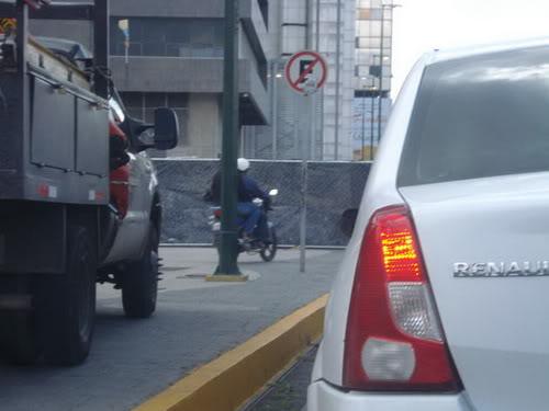 ¿Nuestra cultura es infringir señales de tránsito? DA843714E