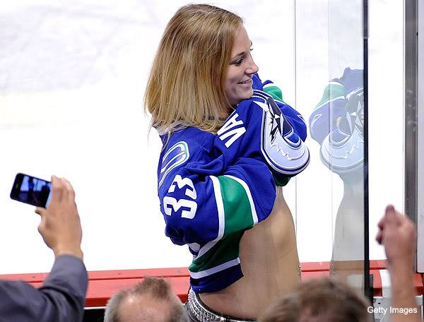 Cheerleaders 4ice-hockeyVancouverfan