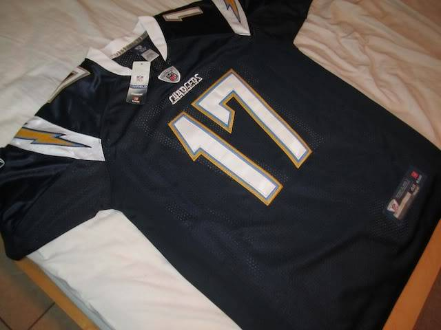 Is this a real philip rivers jersey? IMG_0807