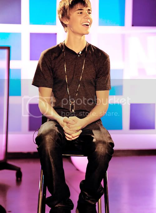Justin Bieber - Page 3 Tumblr_lg5xzjzvgj1qe9u83o1_500_large