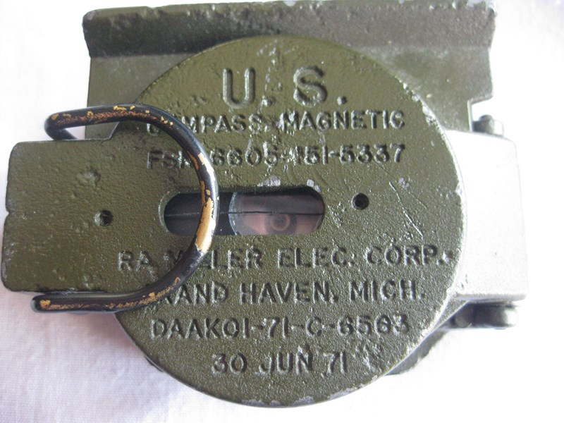Nueva militaria US FirstaiddressingshellUSNAMampMagneticcompass013_zps74982f22