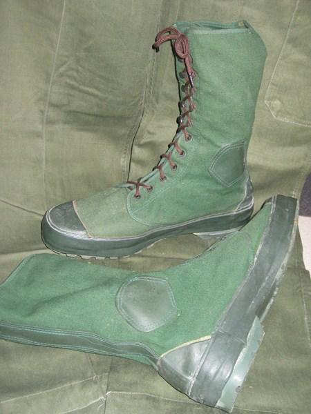 Militaria Británica JunglebootsBorneo1Copiar_zps4ad3f9c6