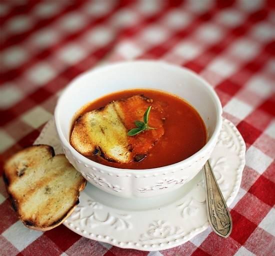 Tomato soup Supa-de-rosii-1-550x600