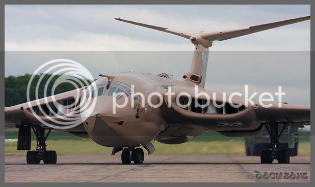 Aviones de la Guerra Fría A.G.F.DZE11
