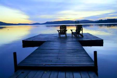 Chiếc Bóng của Giọt Nước Mắt - Page 4 The-deck-on-the-lake1