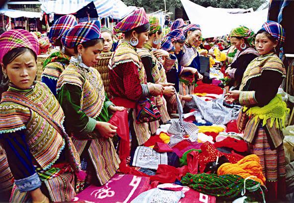 Quê Hương: Đẹp ngỡ ngàng! - Page 4 Sa_pa_-hmong