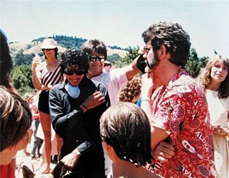 Raridades: Somente fotos RARAS de Michael Jackson. - Página 7 -michael-jackson-30263462-800-622