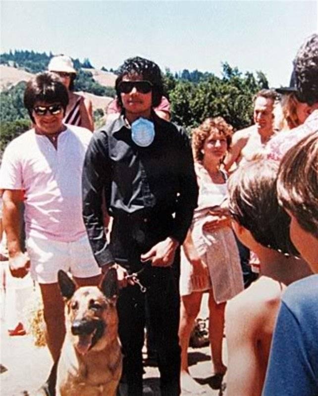 Raridades: Somente fotos RARAS de Michael Jackson. - Página 7 -michael-jackson-30263469-642-800