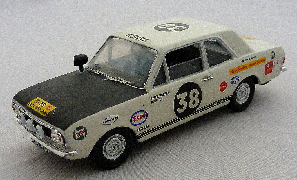 Other Ford Rally Cars P1020653_zpsxtw9cd14