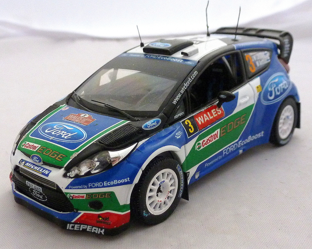 Other Ford Rally Cars P1020691_zpsn06itx2p