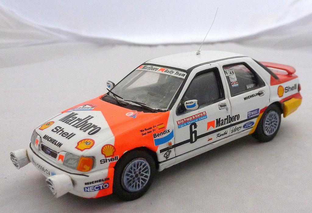 Other Ford Rally Cars P1020696_zpsqqbuz1fj