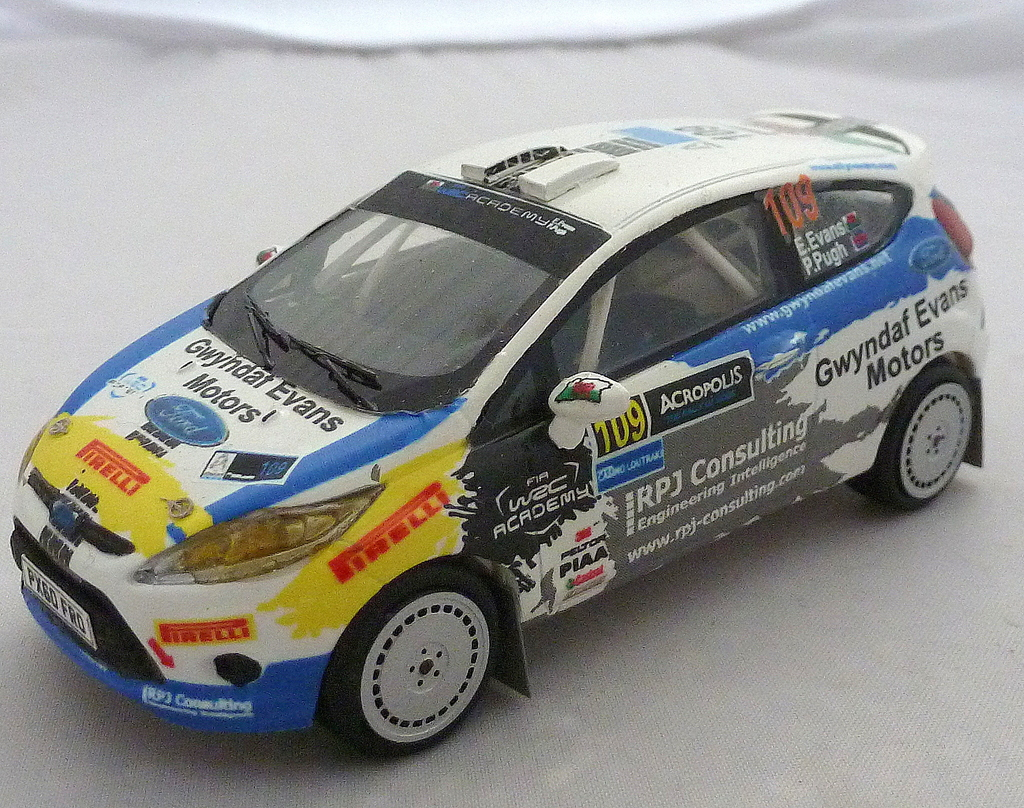 Other Ford Rally Cars P1020697_zpsjhalkuns