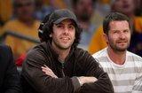 "Misc - 27/10/2009 Viendo a ""Los angeles Lakers"" Th_SachaBaronCohenCelebritiesLakersGameRLhCKNqN-LNl"