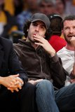"""Misc - 27/10/2009 Viendo a """"Los angeles Lakers"""" Th_SachaBaronCohenCelebritiesLakersGamevCeDxXT6Rnil"""