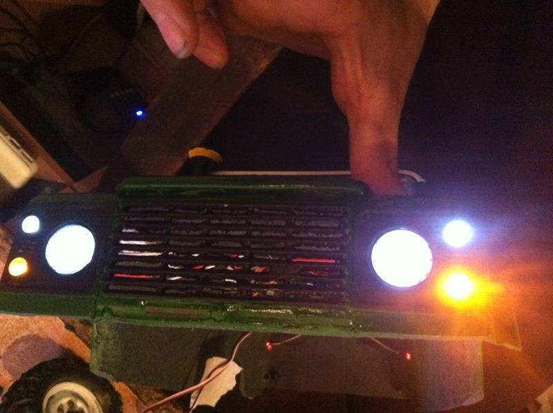 Axial Land Rover Defender 110 IMG_0820_zpseatfb6lw