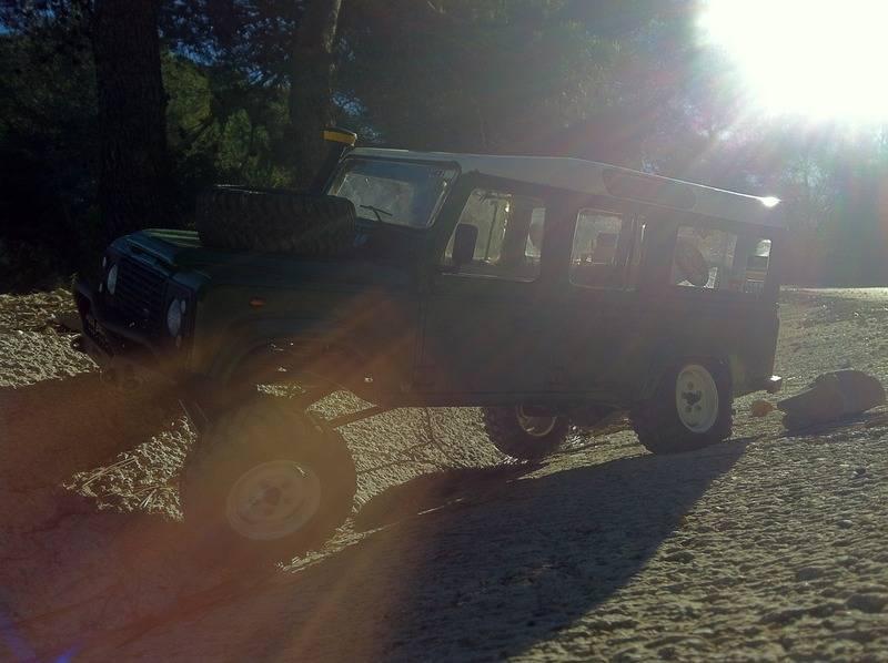 Axial Land Rover Defender 110 IMG_09441_zpszz7hvs5v