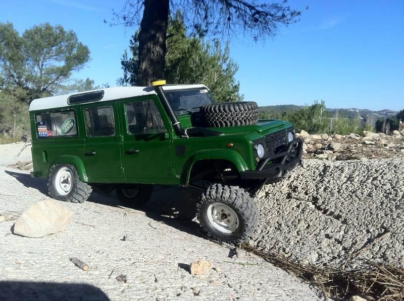 Axial Land Rover Defender 110 IMG_09461_zpsbfna3kuz