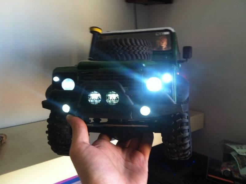 Axial Land Rover Defender 110 IMG_1104_zpsufrgwika