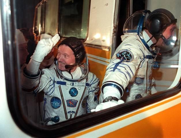 Aragatz 20 ans / 30 ans... Soyuz-TM-7-Launch-Bus-J-LChretienVolkov-SpationauteIII