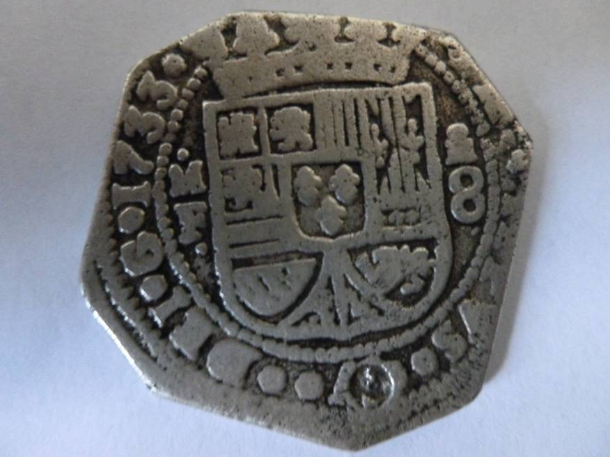 Reproducción sobre 8 Reales de Felipe V Mexico 1733 P1050702_zps5f37c78b