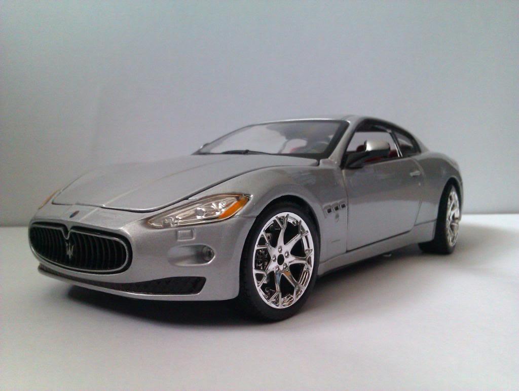 Maserati GranTurismo by Bburago IMAG3525