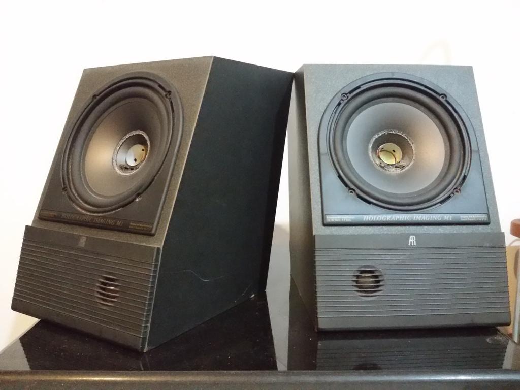 AR Bookshelf Speaker M1 For Sale As Is