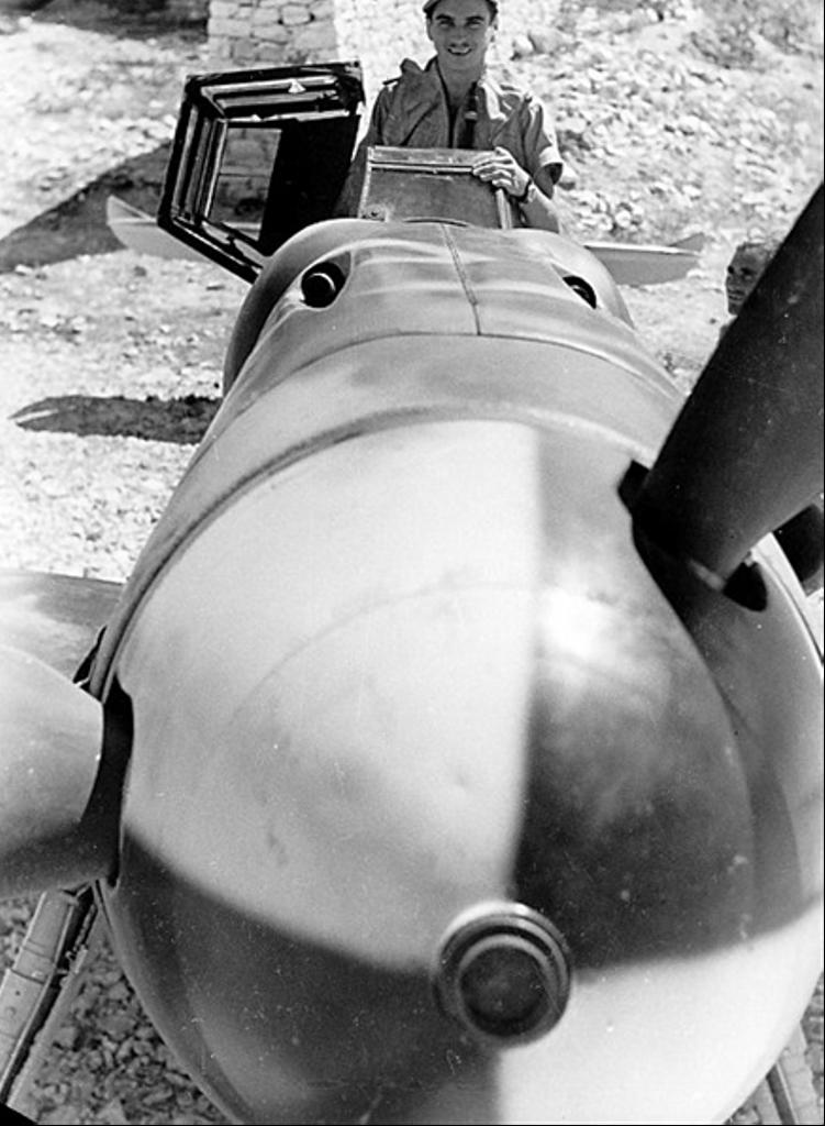 Messerschmitt Bf 109 G-6 Hasegawa 1/32 Alfred Grislawski - Página 2 Cono2