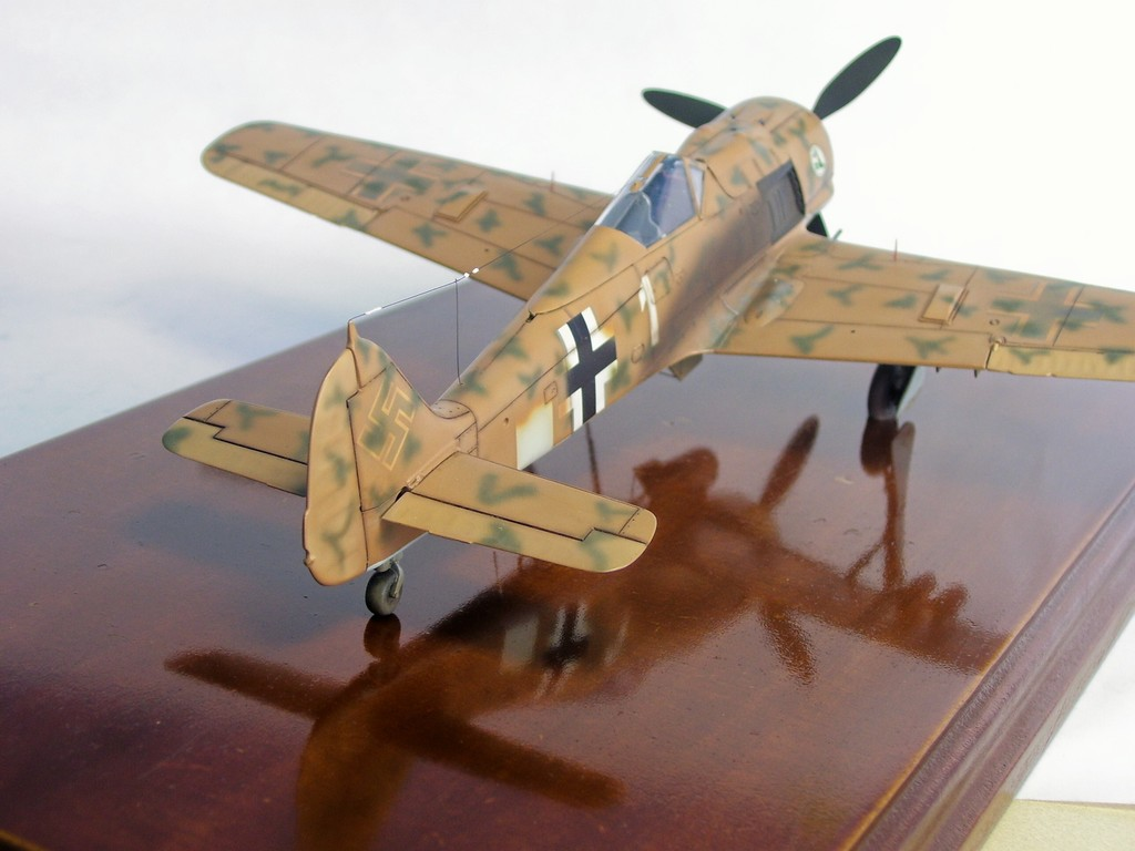 Focke Wulf 190 F-8 Blanco 1, I/SG4 (Tamiya 1/48). FockeWulf190F-8%2012