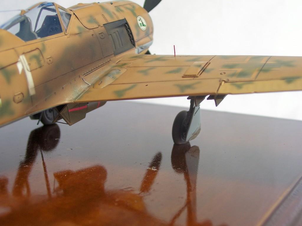 Focke Wulf 190 F-8 Blanco 1, I/SG4 (Tamiya 1/48). FockeWulf190F-8%2014