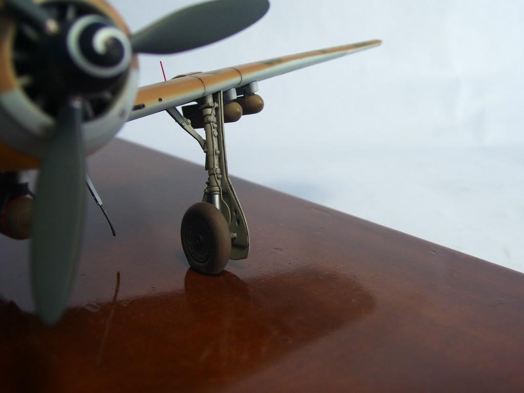 Focke Wulf 190 F-8 Blanco 1, I/SG4 (Tamiya 1/48). FockeWulf190F-8%2026