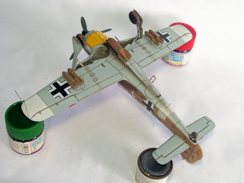 Focke Wulf 190 F-8 Blanco 1, I/SG4 (Tamiya 1/48). FockeWulf190F-8%2029