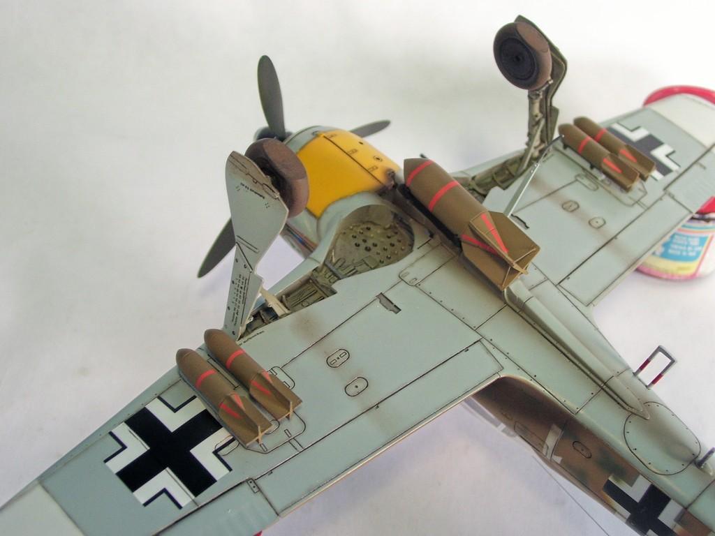 Focke Wulf 190 F-8 Blanco 1, I/SG4 (Tamiya 1/48). FockeWulf190F-8%2030