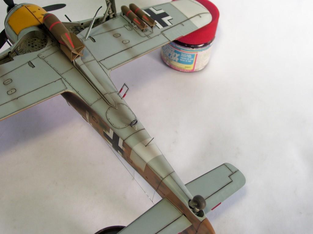 Focke Wulf 190 F-8 Blanco 1, I/SG4 (Tamiya 1/48). FockeWulf190F-8%2031