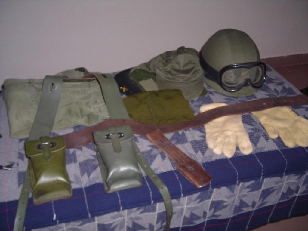 uniform and equipment. Argentine army. 1982 DSCN3021