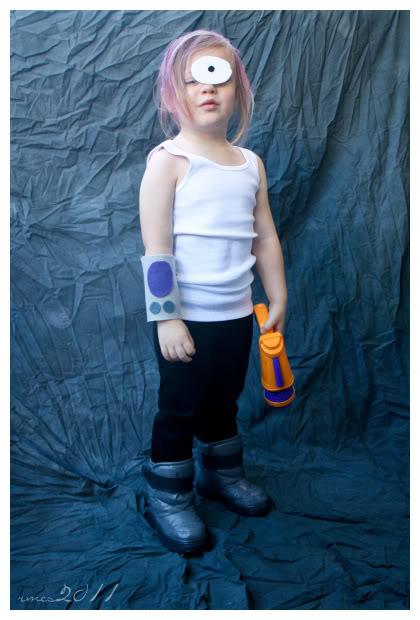 Costume Fun 2011-10-7costumes009