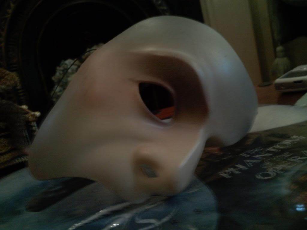 Phantom costumes - real and replicas 1 - Page 31 PeterKmask295