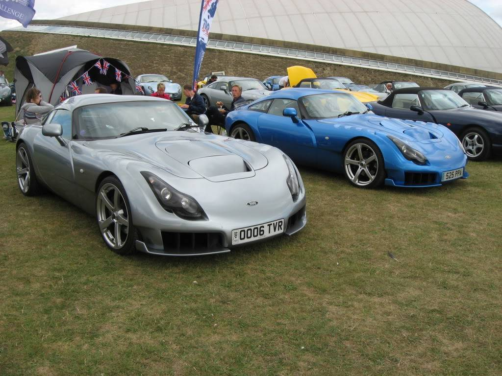 Share Your Pictures Of Cars You Love - Page 26 IMG_0225